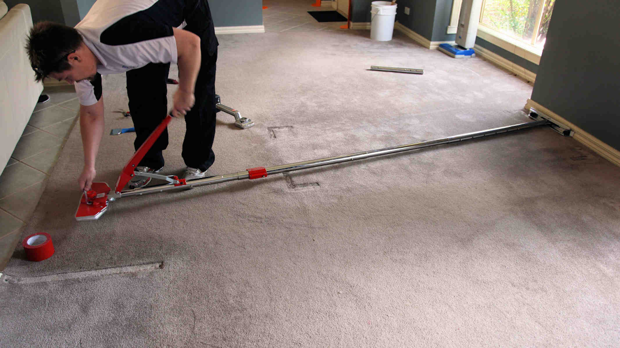 Carpet Repair - Carpet restretching